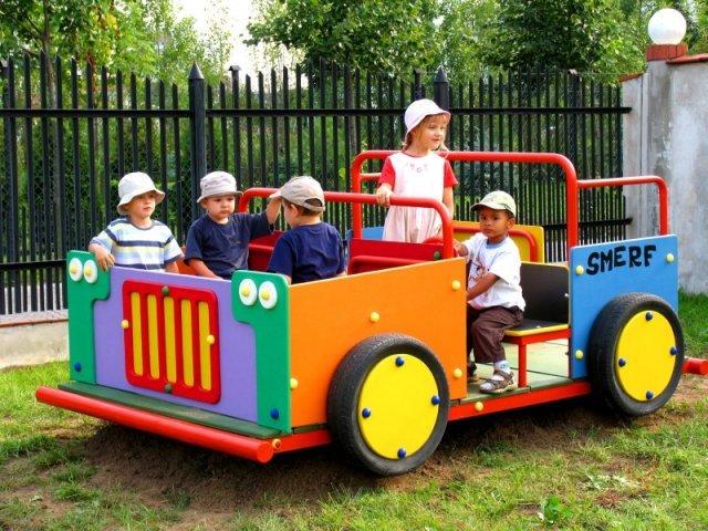 Place zabaw - Bujak ogrodowy duży - Jeep z laminatu wysokociśnieniowego HPL