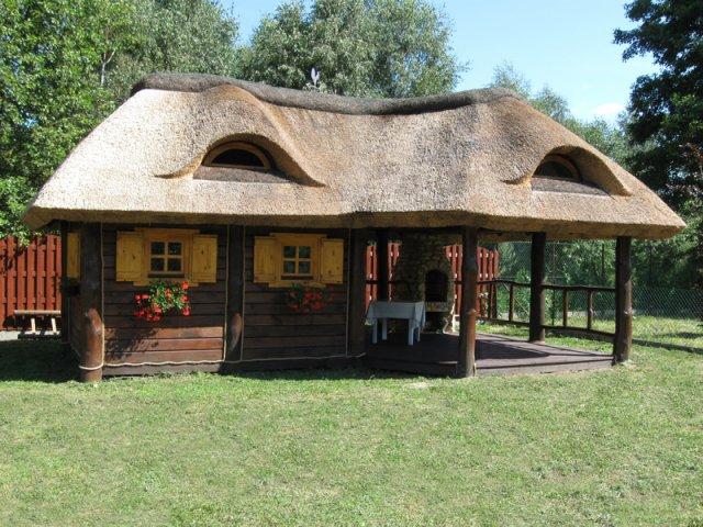 Altana drewniana kryta strzechą Ostrów Wielkopolski