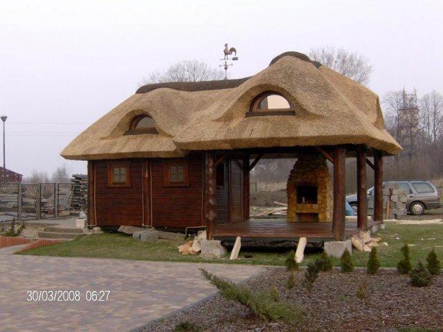 Altana drewniana kryta strzechą Kłobuck