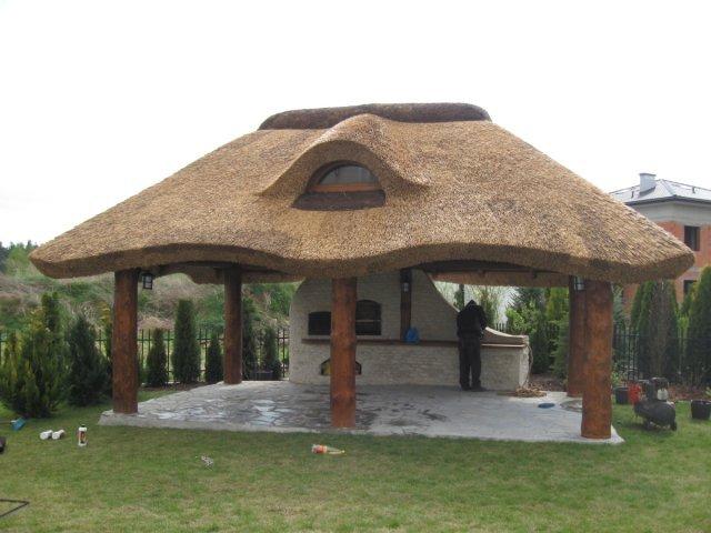 Altana drewniana kryta strzechą N1