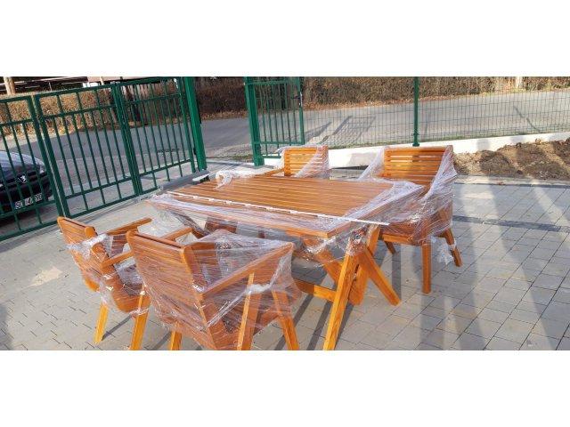 Drewniane meble ogrodowe z modrzewia
