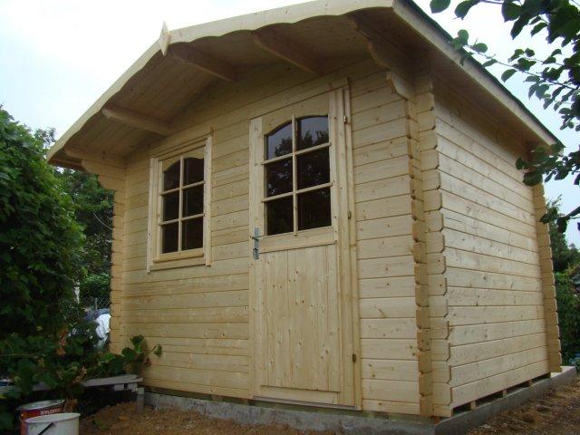 Drewniany domek narzędziowy Malwinka II