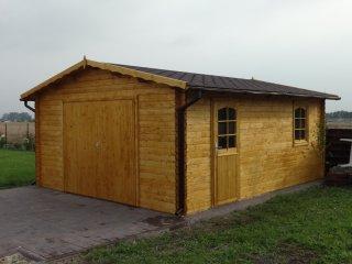 Drewniane garaże ogrodowe